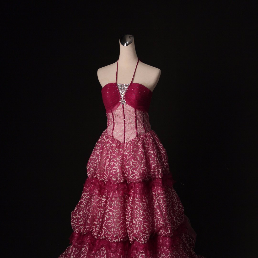 紅色宮廷復古婚紗 禮服 三層紅宮廷唐草紋裙擺 拉鍊+平口後綁帶 二手婚紗 二手禮服 七成新