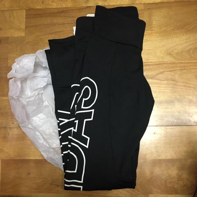 Adidas運動內搭褲