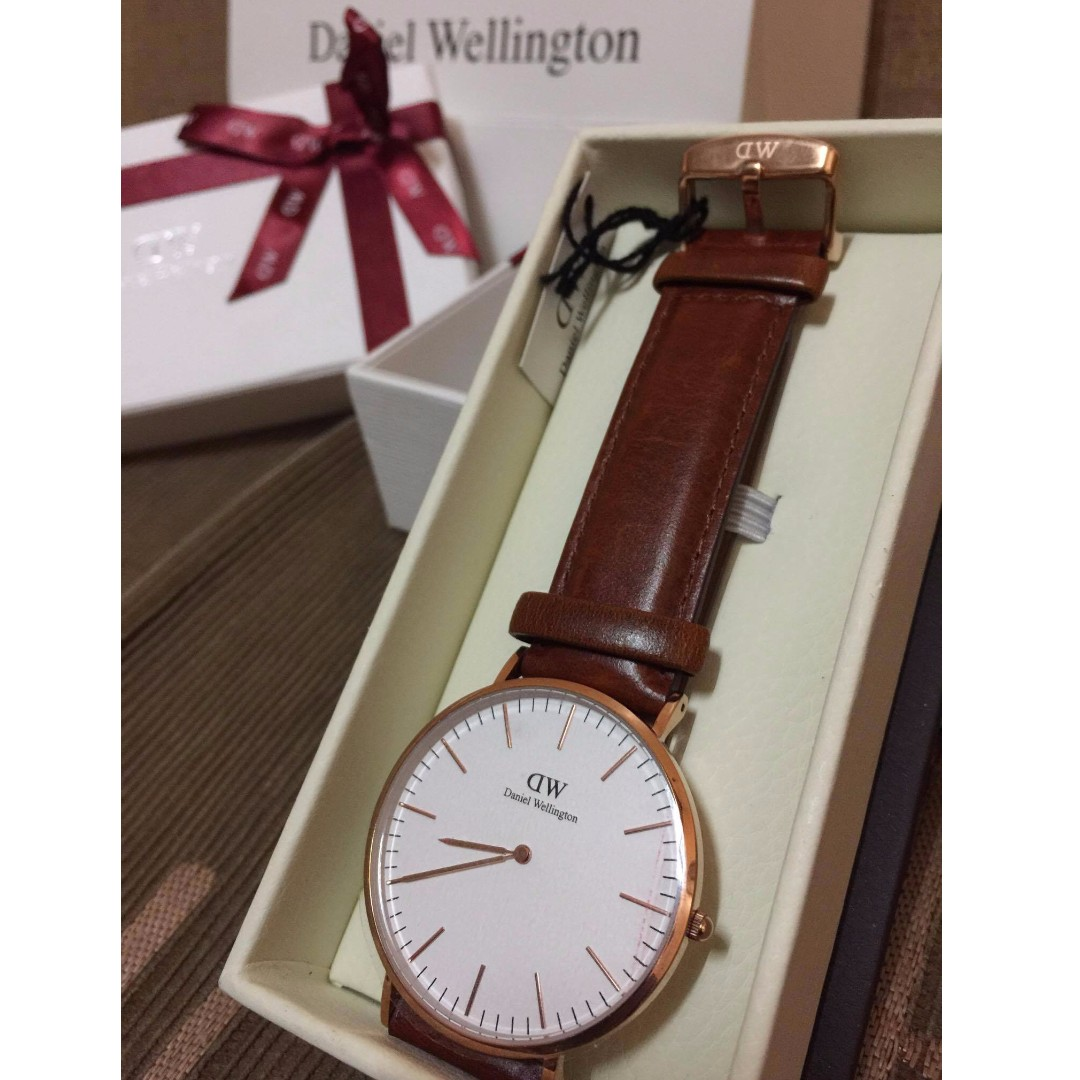Authentic Daniel Wellington Watch (Classic Brown Bristol)
