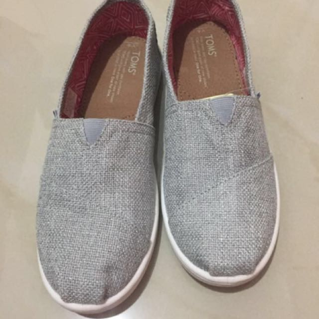 Authentic Toms (Brand New with Tag) REPRICED