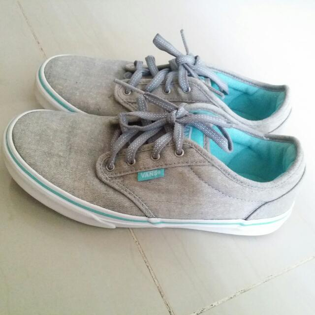 Authentic VANS Faded Gray Size 5 US