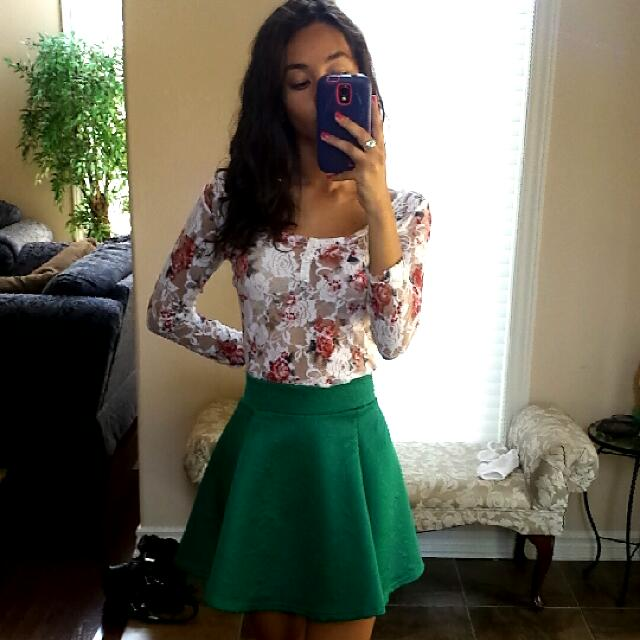 H&M GREEN SKIRT