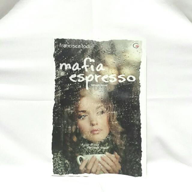 Mafia Espresso - Francisca Todi