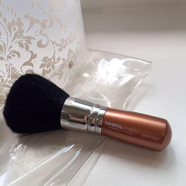 Mineral Fusion Blender Brush