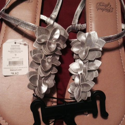 New Silver Flower Sandals