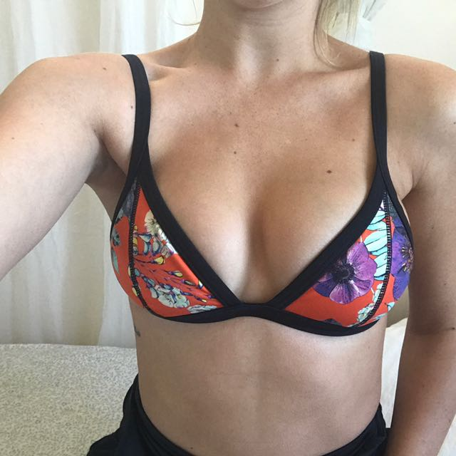 Seafolly Triangle Top Size 8