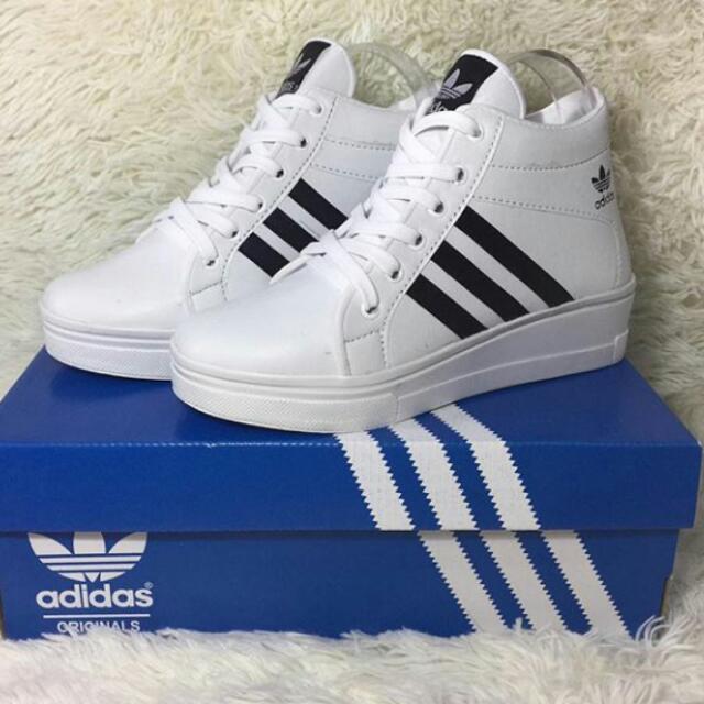 Sepatu Adidas Boots Premium