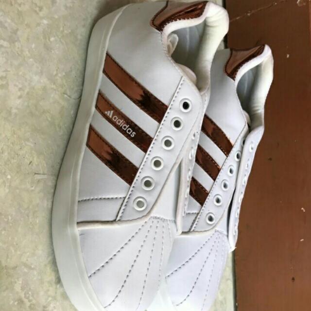 Sepatu Adidas Superstar List Gold