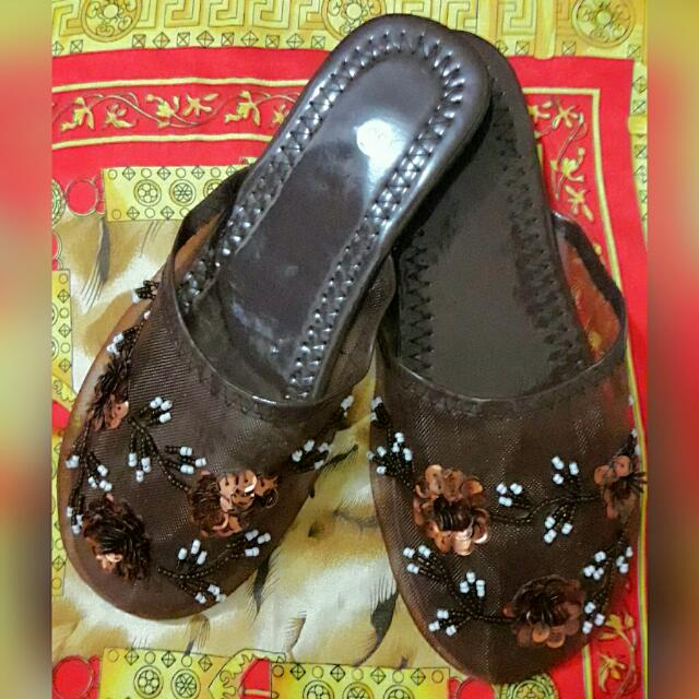 SLIPPERS (SEQUINED)