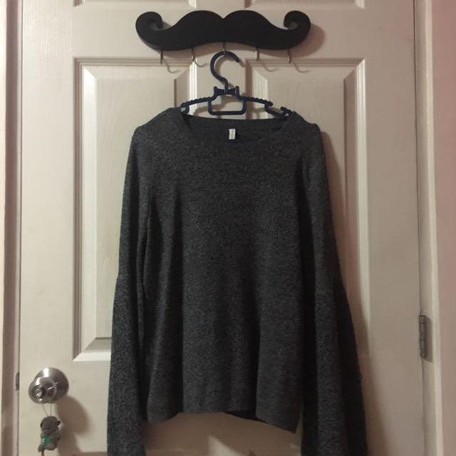 Stradivarius Bell-sleeved Sweater (Small)