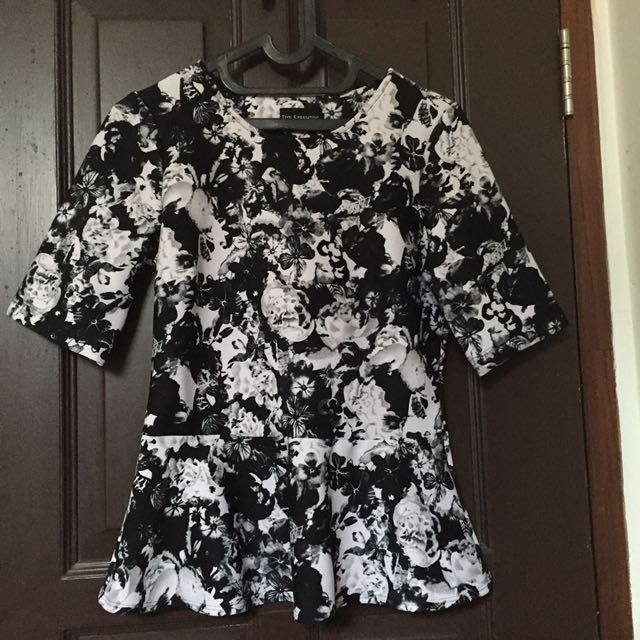 The Executive Black And White Top