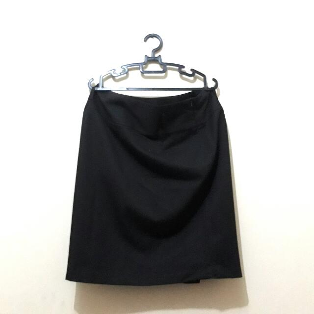 The Executive black Midi Skirt