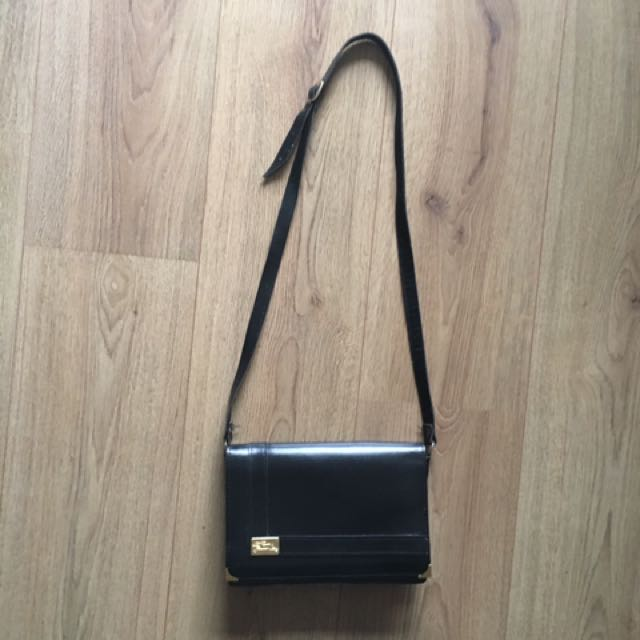Vintage Leather Handbag / Shoulder Bag