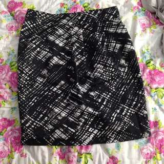 The Executive Black and White Pattern Skirt