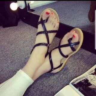 *BRAND NEW* Sandals