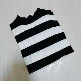 黑白條紋造型大學T