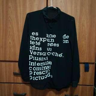 🚚 黑色英文字母造型薄紗襯衫