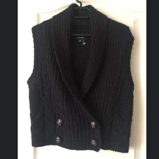 Witchery Women Vest! Size M