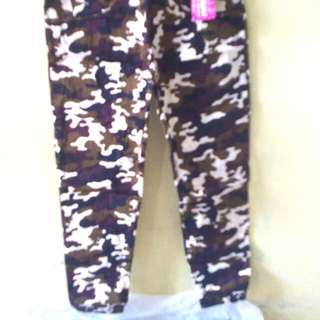 Celana Army Perempuan