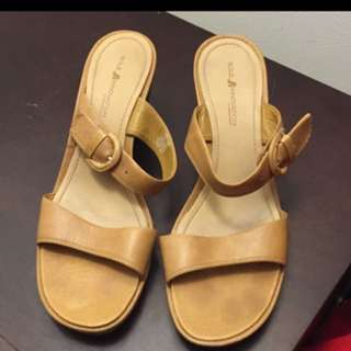 Sole Innovations Sandals