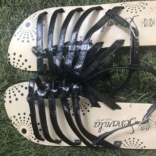 Aligator Sandal