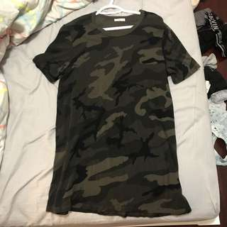 BRAND NEW ARITZIA CAMO TSHIRT DRESS