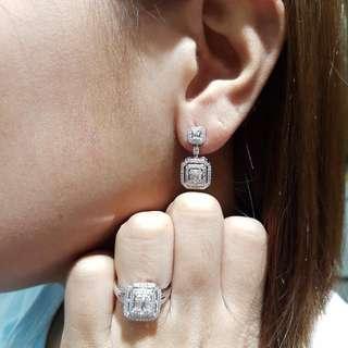 SALE! Emerald Dangling Diamond Hongkong Setting