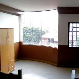 Studio Unit With Bathroom Near LRT2 Anonas
