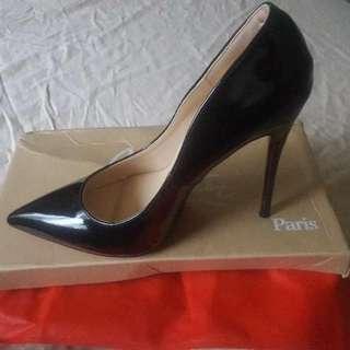 Black Heeles
