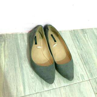 F21 Gray Pointed Flats