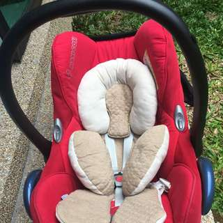 Preloved Maxi Cosi Cabriofix + Fisher Price Playing Mat
