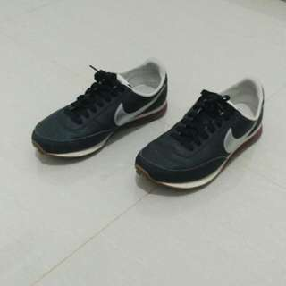Nike Womens Elite Leather Shoes