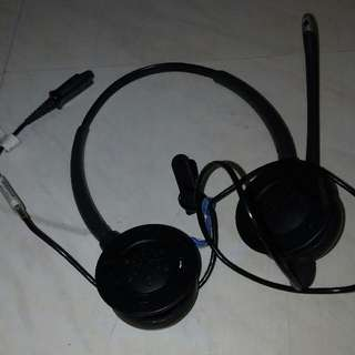 Plantronics Headset With Noise Cancelation