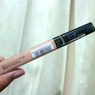 Maybelline Fit Me Concealer 10.Light Leger