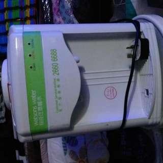 座枱冷凍熱水機