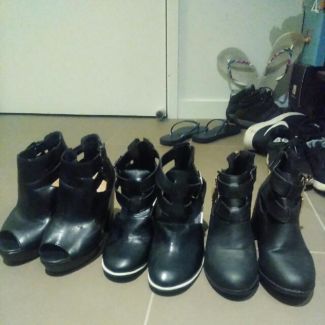 30 dollars 3 Boots