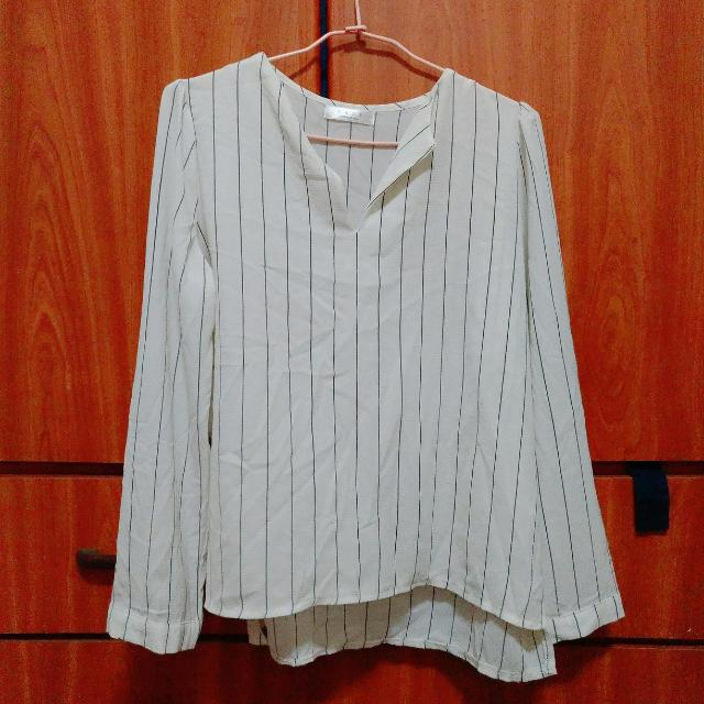 白色條紋薄紗襯衫