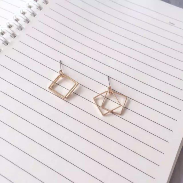 💕現貨💕 歐美 簡約 氣質幾何方形鏤空 金色 耳環 耳針