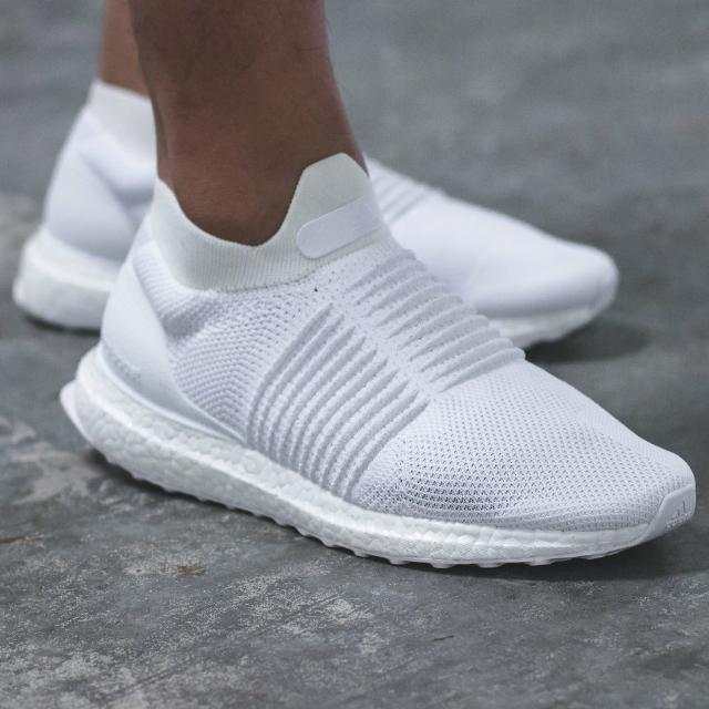 d3d00324cf3 Adidas Ultra Boost Laceless