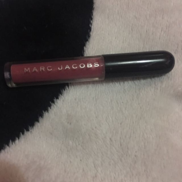 AUTHENTIC MARC JACOBS LIP GLOSS DELIXE SIZE (bought in Sephora US)