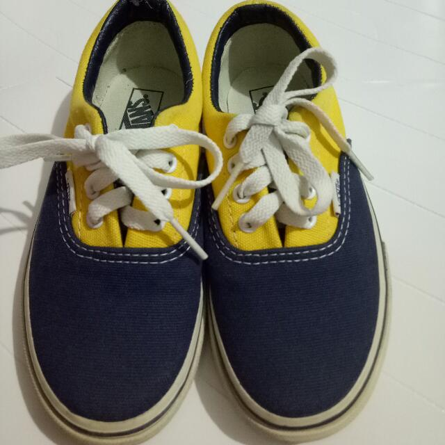 Authentic Vans Boys Shoes Size:US 13          UK 12.5          EUR 30.5          18 CM