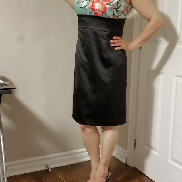 Beautiful and Elegant Classic Evening Dress