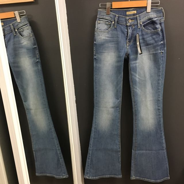 Bell Bottom Guess Jeans