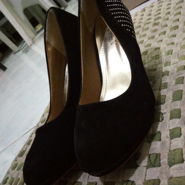 Black Shoes Heels 👠