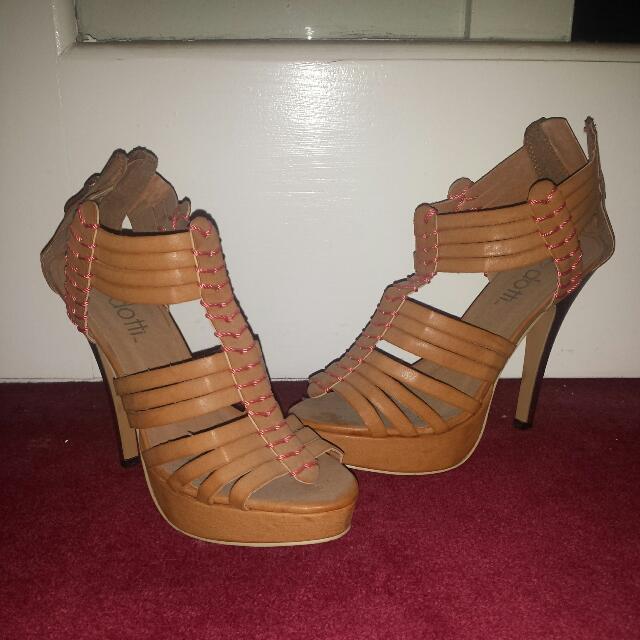 Dotti Tan Heels - Size 7