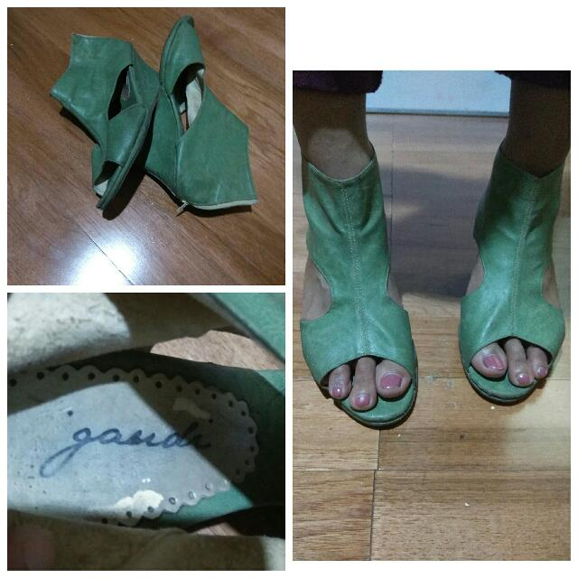 GAUDI Green T wedges