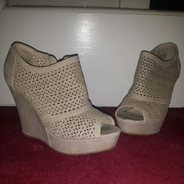 London Rebel Cream Laser Cut Platform Wedges - Size 7