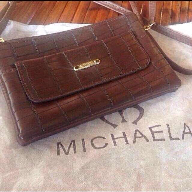 Michaela sling Bag