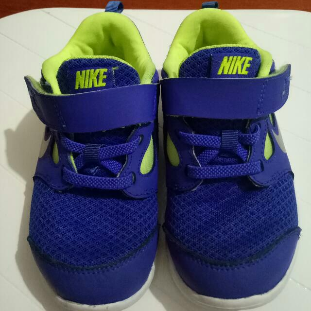 Nike Kids Rubber Shoes Nike Free 5 Size:US 10C          UK  9.5          EUR 27          16 CM