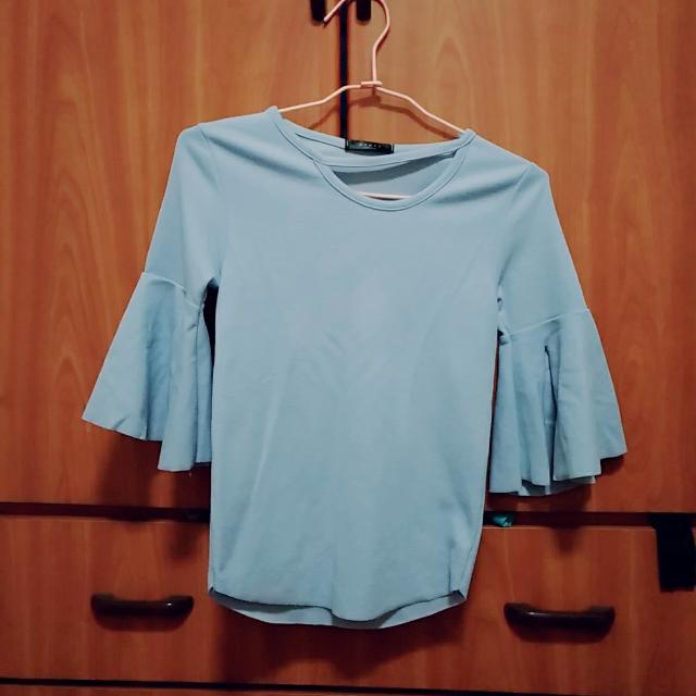 天空藍蝴蝶袖造型短T